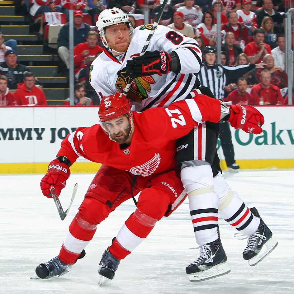 hossa colliding with that guy