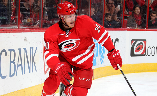 Hurricanes agree to terms with center Riley Nash