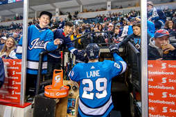 19/11/2018 - Winnipeg Jets - Game and Event Photo Galleries