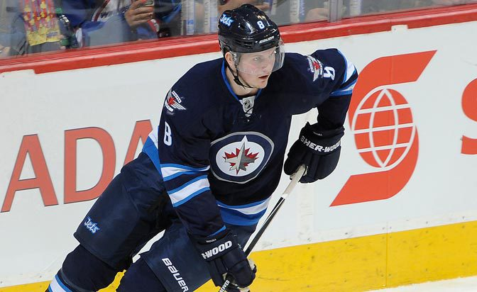 Jets' Trouba leaves Worlds due to mild neck strain