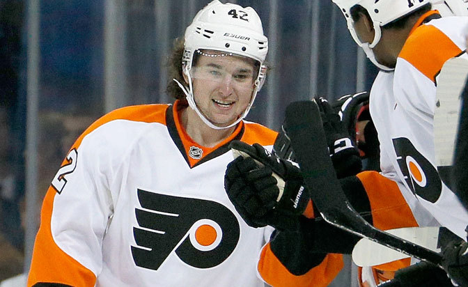 Flyers re-sign forward Akeson to one-year contract