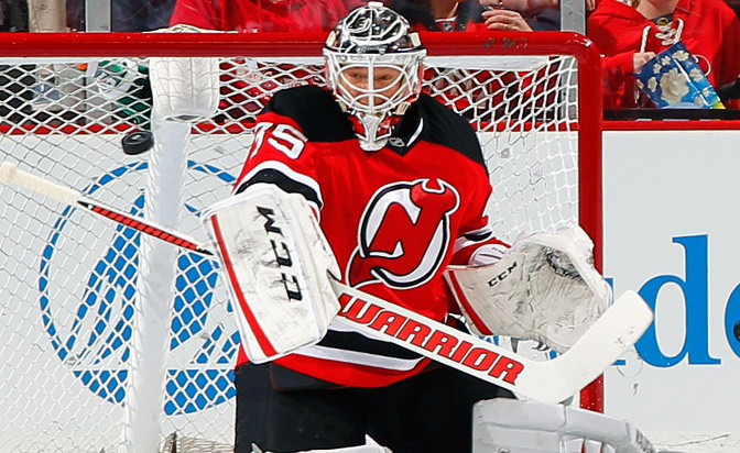 Devils sign goalie Schneider to contract extension