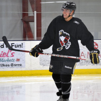 http://1.cdn.nhle.com/penguins/images/upload/2012/10/bennett-for-widget.jpg